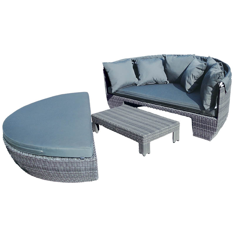 Katie Blake Sandringham Day Bed Canopy And Coffee Table